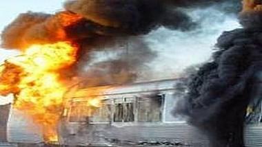 O locomotivă a trenului Bucureşti-Timişoara a luat foc în gara din oraşul Recaş, judeţul Timiş