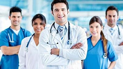 Un grup de medici din SUA consultă oamenii din Budești și din localitățile din vecinătatea zilele acestea