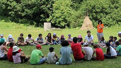 O biserică creştin-ortodoxă din Capitală organizează tabără GRATUITĂ pentru copiii de până la 12 ani