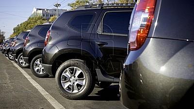 Restricţii la Vamă. Moldovenii vor putea introduce în ţară cel mult două maşini pe an, fără să plătească taxe