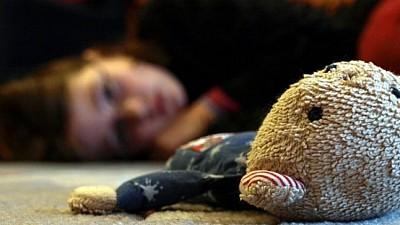 O minoră din raionul Hânceşti, VIOLATĂ de propriul său tată. Aceasta ar fi fost abuzată de bărbat timp de doi ani