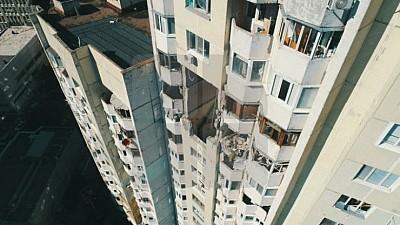 Locatarii apartamentelor din sectorul Râșcani al Capitalei, distruse în urma unei EXPLOZII, revin acasă