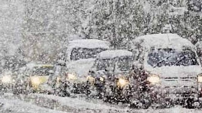 România, sub zăpadă. 300 de localităţi au rămas fără curent electric din cauza ninsorilor şi a viscolului