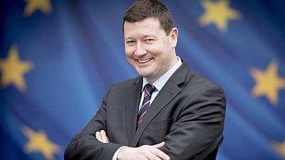 Conflict de interese la Bruxelles. Secretarul general al Comisiei Europene, demis de către Parlamentul European