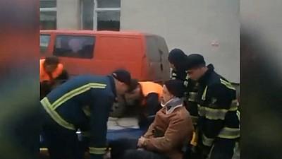 Un bărbat din Capitală a ajuns la spital cu multiple traumatisme, după ce A CĂZUT de la o înălţime de patru metri