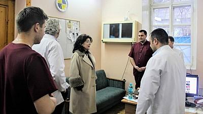 Vizită neașteptată la Spitalul de Traumatologie şi Ortopedie din Chişinău. Directorul instituţiei, luat la rost de Silvia Radu