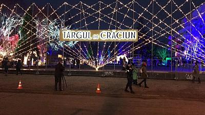 Atmosferă feerică în centrul Capitalei. Târgul de Crăciun organizat de Guvern a fost inaugurat