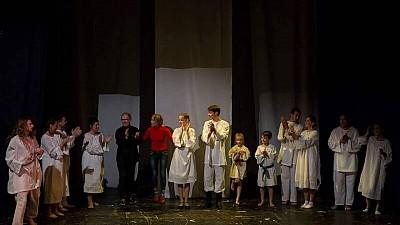 PREMIERĂ la teatrul Guguță din Capitală. Actorii au pus în scenă piesa Vicontele de Eugen Ionesco