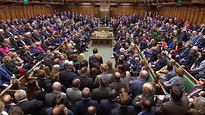 Guvernul condus de Theresa May, în fața moțiunii. Preşedintele Partidului Laburist, Jeremy Corbyn vrea alegeri anticipate