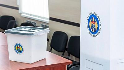 Scenariile experţilor: Alegerile anticipate vor arunca ţara în haos