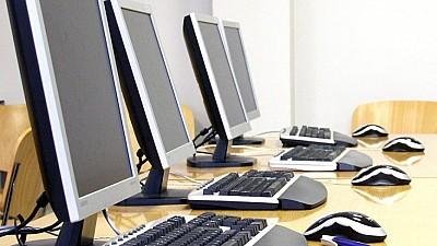 150 de calculatoare noi, donate școlilor din 12 raioane din Moldova. Acestea au fost oferite din partea autorităţilor din Coreea de Sud