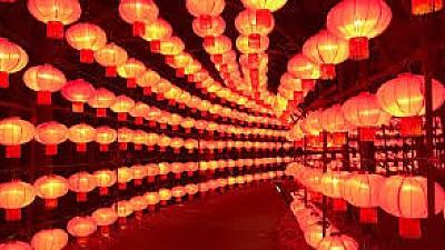 Imaginea zilei: Festivalul lanternelor, organizat într-un oraş interzis din China. Mii de turiști au admirat evenimentul
