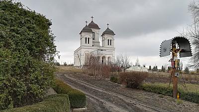 Drumul spre Mănăstirea Chistoleni, reparat. Cât vor dura lucrările
