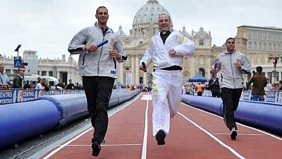 Atleţii Papei de la Roma. Vaticanul şi-a creat prima echipă de atletism