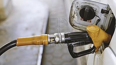 Explicaţia specialiştilor privind majorarea preţurilor la benzină şi motorină