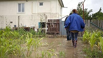Panică în mai multe localităţi din raionul Râşcani. Ploile au creat risc mare de inundaţii
