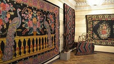 25 de meşteri populari din nordul ţării şi-au expus creațiile în cadrul Festivalul Covorului Moldovenesc