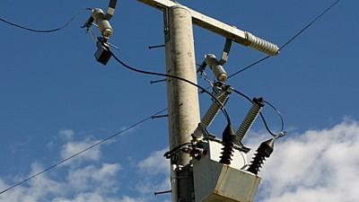 Un tânăr din raionul Anenii Noi A MURIT, după ce s-a electrocutat de la un fir de înaltă tensiune