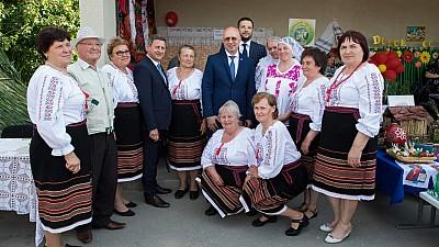 Pavel Filip, la sărbătoarea din satul Sireţi: Este o tradiţie foarte frumoasă în Moldova de a sărbători hramul localităţilor