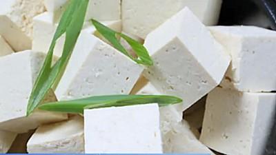 Festivalul Caşului. Ciobanii din sat au adus cele mai gustoase brânzeturi