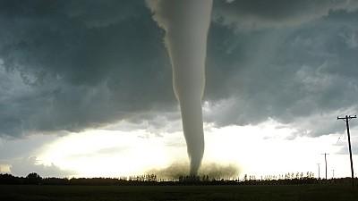 Fenomen spectaculos în România. În apropiere de Slobozia a fost observată o tornadă