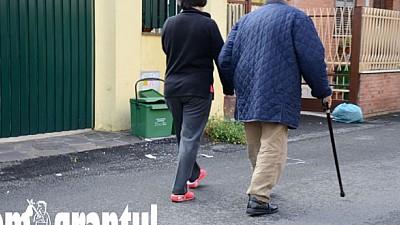Doi moldoveni stabiliţi în Italia au moştenit trei milioane de euro, de la bătrânul pe care l-au îngrijit