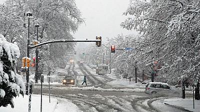 În statele americane Colorado şi Wyoming A NINS ca-n mijlocul iernii. Stratul de zăpadă a ajuns la 30 de centimetri