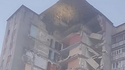 Шокирующие кадры. В Oтаках минувшим вечером обрушился 9-ти этажный дом