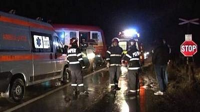 Accident feroviar grav în judeţul Iaşi. Două persoane au murit pe loc, iar a treia a fost internată în stare gravă