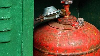 O femeie din raionul Anenii Noi s-a ales cu arsuri grave, după ce butelia de gaz din locuința acesteia A EXPLODAT