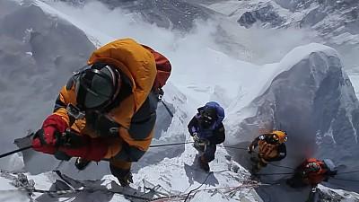 Mircea Baciu - moldoveanul care a cucerit Everestul! Cum e să escaldezi pe cel mai de temut munte