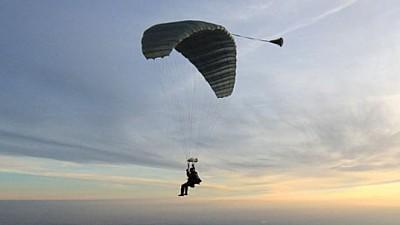 Salt cu parașuta la 98 de ani. Cum și-a sărbătorit un veteran de război ziua de naștere