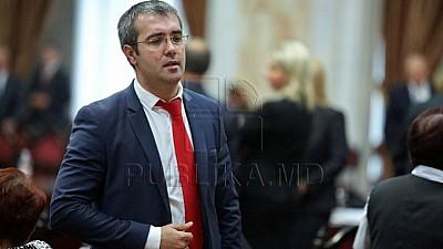 Pavel Grigorciuc şi susţinătorii acestuia continuă atacurile şi presiunile la adresa deputatului democrat Sergiu Sîrbu, a procurorilor și asupra presei