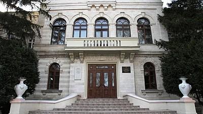 Sute de tineri vor să obţină bursă la Academia de Muzică, Teatru şi Arte Plastice din Chișinău