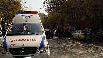 Ghinion pentru un grup de turişti. 19 persoane au fost rănite în Azerbaijan de o creangă ruptă
