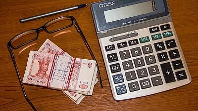 Moldovenii care vor obţine lunar venituri mai mari de 20.000 de lei NU VOR mai BENEFICIA de scutiri personale