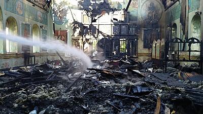 INCENDIU la o biserică din raionul Ocnița. Flăcările au distrus 80% din acoperişul lăcaşului