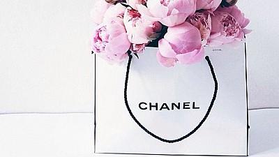Împachetat cu dragoste. Diferite ambalaje şi cutii pentru renumite branduri de lux din lume, confecţionate în Moldova