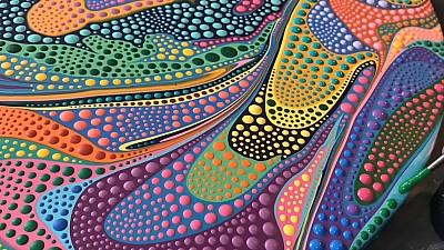 Imaginea zilei: Un artist din SUA reuşeşte prin puncte şi culori aprinse să creeze desene uluitoare