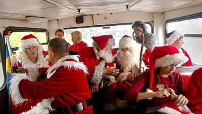 Imaginea zilei: Moş Crăciunii din întreaga lume participă la congresul anual din Danemarca