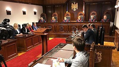 Judecătorii Curţii Constituţionale au validat mandatele a trei deputaţi noi. Cine sunt aceștia