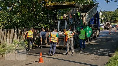 Programul Drumuri Bune 2, lansat de Guvernul Filip, va continua. Finanțarea proiectului, redusă de trei ori